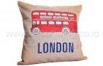 Bantal Sofa Decoration Motif London Bus Q3183-55